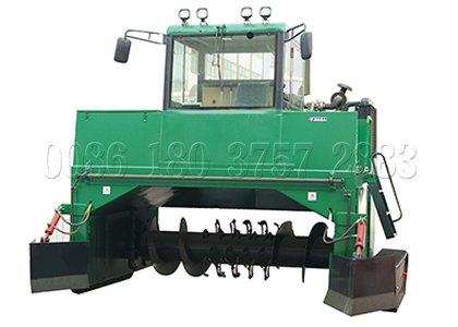Crawler type compost turner for bio organic fertilizer composting