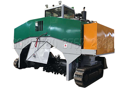 Self-propelled compost turner for farm waste disposal