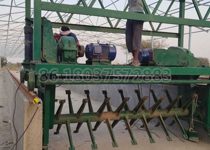 Powdery agricultural waste fertilizer production line on site installation in Indian.jpg